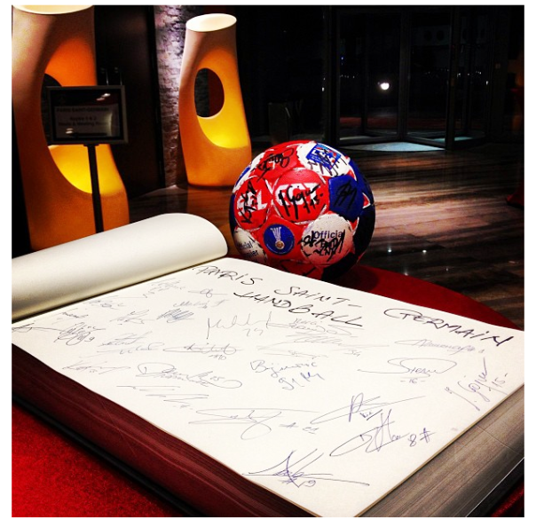photo PSG ball signed
